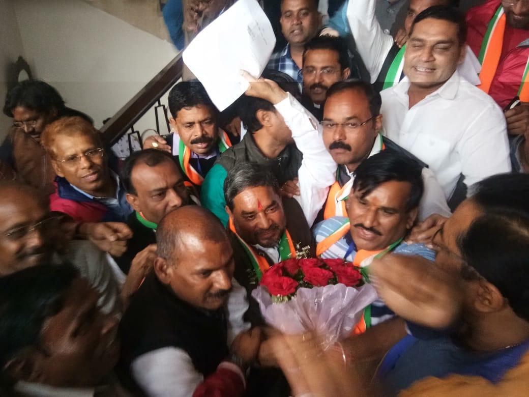 Photo of रामशरण यादव निर्विरोध मेयर चुने गए, BJP ने दिया वाकओवर….महापौर चुनाव के पहले बीजेपी ने छोड़ा मैदान