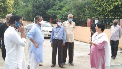 Photo of महापौर के वार्ड में पहुंचे विधायक! वार्डवासियों ने समस्याओं और शिकायतों की लगाईं झड़ी, फिर विधायक ने…