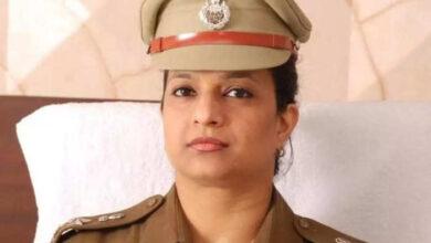Photo of इस चर्चित महिला IPS ने मांगा वीआरएस….मीराबाई की तरह कृष्ण भक्ति में बिताना चाहती हैं अपना बाकी का जीवन, जानिए इनकी कहानी